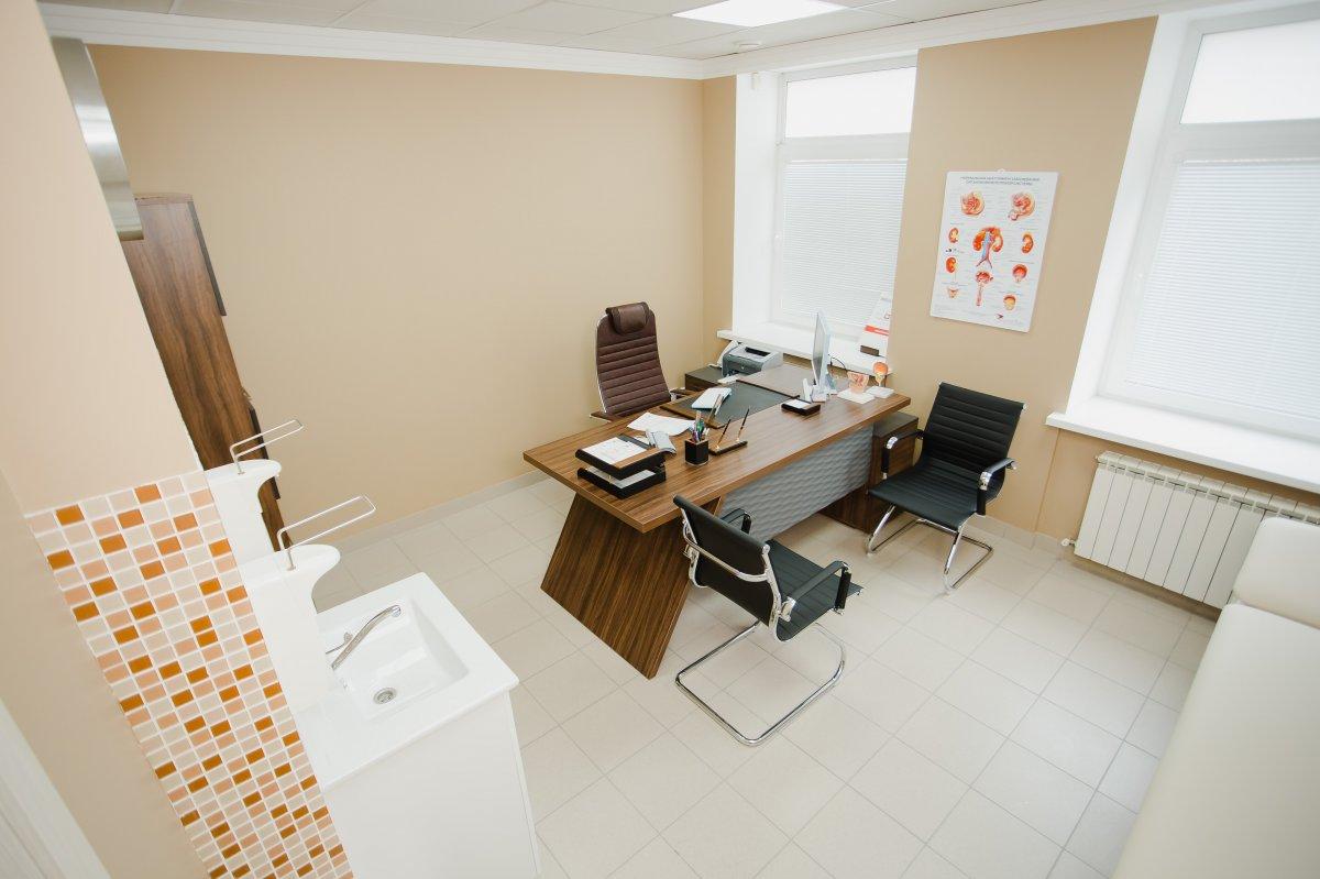 Кабинет врача в клинике мужского здоровья